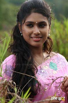 Manisha Yadav Photos - Manisha Yadav in Pattaya Kelappanum Pandiya Movie Gorgeous Eyes, Beautiful Curves, Beautiful Saree, Beautiful Girl Indian, Beautiful Indian Actress, Beautiful Actresses, Beauty Full Girl, Beauty Women, Kim Kardashian Show