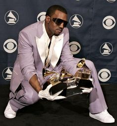 Kanye West at the 2006 Grammys Kanye West Style, Best Rap Songs, Good Raps, Home Studio Music, Hip Hop Art, American Rappers, Record Producer, Pop Culture, Style Inspiration