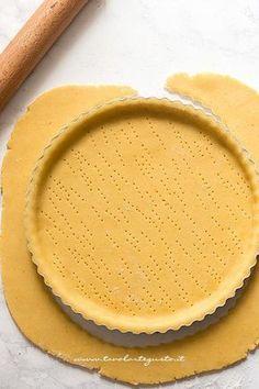 Rivestire lo stampo di pasta frolla - Ricett