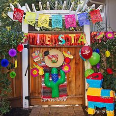 Let's get this fiesta started! Deck out your Cinco de Mayo party entrance, Mexico style. Mexican Birthday Parties, Mexican Fiesta Party, Fiesta Theme Party, Taco Party, Mexican Colors, Fiesta Colors, Thinking Day, Party Time, Party Ideas