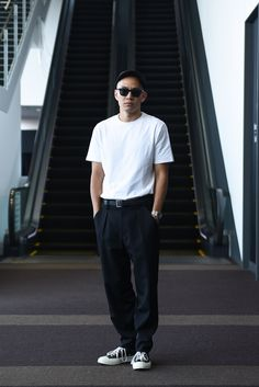Wear items from brands such as Converse and Rolex. Photo taken in Shibuya in the fall and winter of by Eugene Tong. Converse Outfits, Moda Converse, Converse Style, Converse Fashion, Gents Fashion, Best Mens Fashion, Look Fashion, Fashion Outfits, Fashion Photo