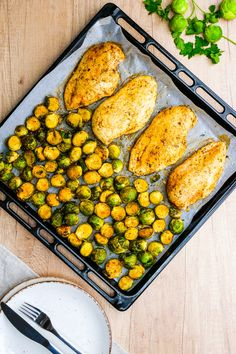 Roasted Chicken Breast, Oven Roasted Chicken, Chicken Brussel Sprouts, Brussels Sprouts, Healthy Brussel Sprout Recipes, Healthy Recipes, Healthy Meals, Yummy Recipes, Healthy Eating