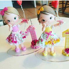Quando a cliente recebe minhas bonequinhas... Foto dessas fofuxas enviada pela cliente  lá da Suíça!