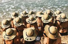Sombreros personalizados para tu despedida de soltera en la playa!  www.idokits.com