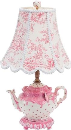 Adorable lamp idea in toile de Jouy Estilo Shabby Chic, Vintage Shabby Chic, Vintage Style, Shabby Chic Bedrooms, Shabby Chic Furniture, Teapot Lamp, Pink Teapot, Tea Cup Lamp, Deco Originale
