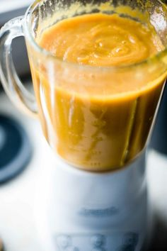Delicious Soup Recipes *** Vegan Yam and Carrot Coconut Milk Soup Recipe Milk Soup Recipe, Coconut Milk Soup, Raw Food Recipes, Soup Recipes, Vegetarian Recipes, Healthy Recipes, Vegan Soups, Sweet Potato Recipes, Soup And Salad