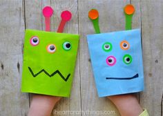 Monster Puppet Craft for Kids | The kids can put on a spooky puppet show with this fun craft