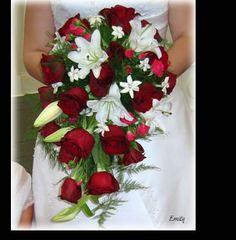 Love the cascading bouquet