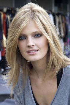 She is pretty and I like this cut. Could I be a blonde??! Ehh?