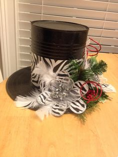Easy and Fun Christmas Table Centerpiece Decorations – Snowmen Top Hats Christmas Topper, Christmas Hat, Christmas Holidays, Christmas Wreaths, Christmas Crafts, Christmas Ornaments, Christmas Ideas, Christmas Table Centerpieces, Indoor Christmas Decorations