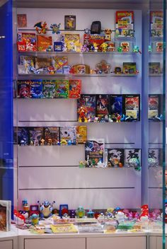 Pokemon Franchise Cabinet at Nintendo World Nintendo Store, Nintendo World, Nintendo Ds, Gaming Room Setup, Gaming Rooms, Nerd Room, Diy Home Cleaning, Video Game Rooms, Conkers