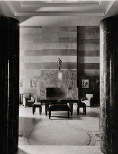 Canadian Art deco: Maison d'Ernest-Cormier, cheminée du salon vue du hall, Montréal, Canada. 1922.