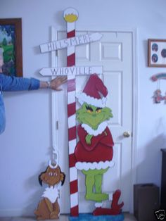 LIFE SIZE GRINCH 7 FOOT X 7'' X 36'' WIDE with MAX DOG CHRISTMAS YARD ART DECOR.
