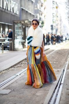 Striped Button-Downs Were a Street Style Staple Over the Weekend at Milan Fashion Week - Fashionista Milan Fashion Week Street Style, Autumn Street Style, Cool Street Fashion, Street Style Looks, Street Style Trends, Mode Style, Star Fashion, Style Guides, Fitness Fashion