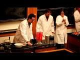 UIUC Christmas Chemistry Show --- entertainment ideas for the Apologia Christmas party Chemical Science, Chemical Bond, Science Chemistry, Science Boards, Teaching Tools, Teaching Ideas, Traditional Books, Holiday Lights, So Little Time
