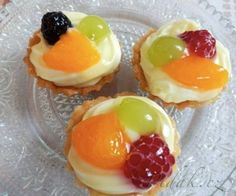 Recipe Ovocné košíčky by lussy, learn to make this recipe easily in your kitchen machine and discover other Thermomix recipes in Dezerty a sladkosti. Czech Desserts, Mini Tart Pans, Bread Dough Recipe, Czech Recipes, Desert Recipes, Brownie Recipes, Mini Cakes, Yummy Cakes, No Bake Cake
