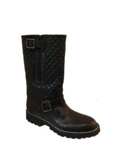 Finally I found a site that has my favorite all year boots. Best found in the Chanel stores in July and August these boots go fast. 1,795 $ avenuek.com