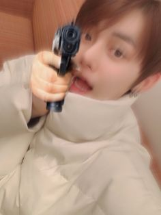 K Meme, Funny Kpop Memes, Bts Memes, Meme Faces, Funny Faces, Angry Meme, Taehyung, Meme Stickers, Fandoms