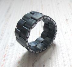 Beaded band ring made with Miyuki Tila beads Peyote by RuaDesigns Handmade Rings, Handmade Jewelry, Beaded Rings, Beaded Bracelets, O Beads, Party Rings, Beaded Jewelry Patterns, Ring Designs, Diy Accessories