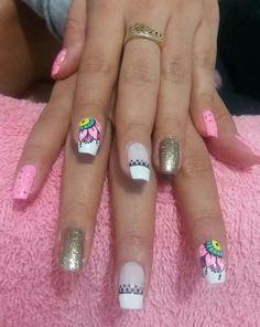 #Mandalas #Rosa Nail Manicure, Toe Nails, Pedicure, Kylie Lipstick, Mandala Nails, Classy Nails, Nail Art Hacks, Summer Nails, Pretty Nails