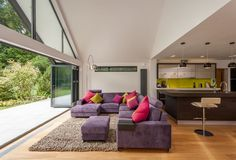 With advice from an architect Ian and Lynne Hiscock transformed their dated bungalow with a glass extension and contemporary interior to create their dream home Bungalow Interiors, Bungalow Renovation, Bungalow Homes, Bungalow Ideas, Bungalows, Style At Home, Glass Extension, Extension Ideas, Rear Extension