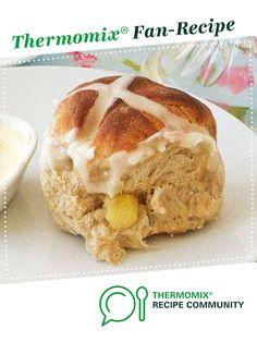 Apple and Date Hot Cross Buns by monicaih. A Thermomix <sup>®</sup> recipe in the category Breads & rolls on www.recipecommunity.com.au, the Thermomix <sup>®</sup> Community.