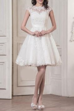 Col haut robe de mariée civile courte dentelle