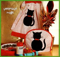 tea cosy sewing pattern | ... 1970's EASY Sewing Pattern pdf to make a Cat Applique Apron & Tea Cosy
