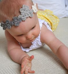 Crochet Flower Headband,, bet ma could do this =)
