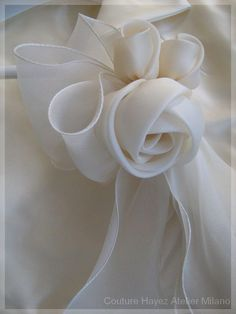How to Make DIY Satin Ribbon Rose without Needle and Thread Satin Ribbon Roses, Fabric Roses, Ribbon Art, Diy Ribbon, Ribbon Crafts, Fabric Ribbon, Diy Crafts, Handmade Flowers, Diy Flowers