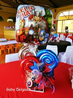 Balloon Arrangements, Balloon Centerpieces, Baby Shower Centerpieces, Candy Bouquet, Balloon Bouquet, Superhero Theme Party, Party Themes, Happy Birthday Balloons, Stone Crafts