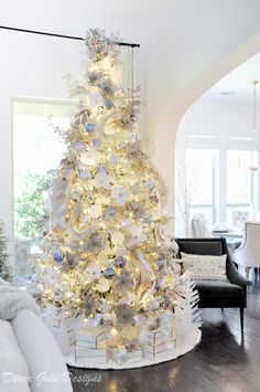colorful christmas tree Impressive White Christmas Tree Designs Ideas To Try In 2019 Silver Christmas Decorations, White Christmas Trees, Christmas Tree Design, Beautiful Christmas Trees, Christmas Mantels, Christmas Tree Themes, Elegant Christmas, Christmas Ideas, Christmas Villages