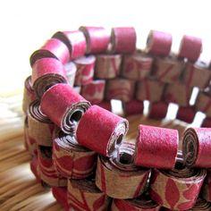 Floral pulsera Peyote - primer aniversario regalo - joyería reciclado - papel pulsera - pulsera grueso - audaz joyería - abalorios pulsera