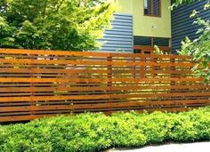 7 Dazzling Tips AND Tricks: Wooden Fence Bq Modern Fence Panels Bq.Wooden Fence Post Privacy Fence Around Patio. Modern Front Yard, Front Yard Fence, Diy Fence, Fence Landscaping, Modern Fence, Backyard Fences, Fenced In Yard, Farm Fence, Fence Ideas