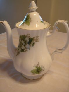 "Royal Albert Trillium Coffee Pot. 10.5"" Tall $150"