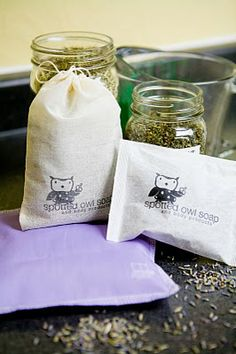 DIY dryer sachets - a way to use up herbs, and make laundry smell great!