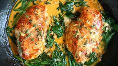 Receptů na rychlé večeře není nikdy dost. Tímhle jídlem, které je hotové zhruba za půlhodinku, uspokojíte navíc i mlsného gurmána. Sauce Recipes, Chicken Recipes, Cast Iron Skillet Cooking, Drops Recipe, Wine Butter, Moist Chicken, Recipe Steps, Spinach Stuffed Chicken, Gluten Free Chicken