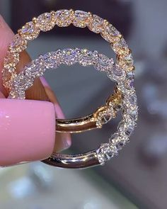 Yellow or white gold?- Yellow or white gold? Decisions, decisions… Jeweller: David & Co Jewelry - Cute Jewelry, Jewelry Box, Jewelery, Jewelry Accessories, Wedding Accessories, Gems Jewelry, Jewelry Crafts, Jewelry Ideas, Handmade Jewelry