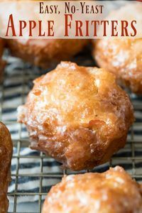 How to make APPLE FRITTERS! These are a classic Fall favorite, this recipe is easy and doesn't require yeast! via Sugar Spun Run Baked Apple Dessert, Apple Dessert Recipes, Donut Recipes, Apple Recipes, Just Desserts, Fall Recipes, Baking Recipes, Cookie Recipes, Delicious Desserts
