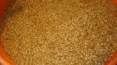 How to sprout grains. How to dehydrate and make flour out of sprouted grains. Make Your Own Flour, Cure Tooth Decay, Bread Starter, Nourishing Traditions, Fermented Foods, Fermented Bread, Good Healthy Snacks, Breakfast Items, Daily Bread