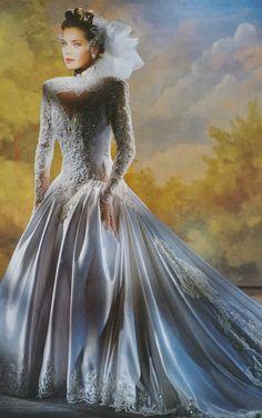 Wedding Dress With Veil, Beautiful Wedding Gowns, Wedding Dress Sleeves, Antique Wedding Dresses, Bridal Dresses, Vintage Weddings, Perfect Bride, Lovely Dresses, Elegant Dresses