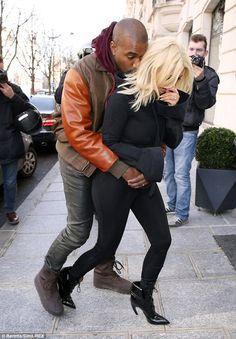 Kim Kardashian swaps her eye-popping attire for casual hoodie Kim Kardashian Gq, Kanye West And Kim, Yeezy Fashion, Kim K Style, Cute Celebrities, Celebs, Stylish Mens Outfits, Bollywood Girls, Fashion Couple