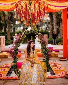 Tune in to These 5 Stunning Mehndi Decoration Ideas That Inspire the Best Setups for Your Mehndi Ceremony Bridal Mehndi Dresses, Mehendi Outfits, Bridal Outfits, Bridal Poses, Wedding Poses, Wedding Photoshoot, Mehndi Ceremony, Haldi Ceremony, Wedding Mehndi