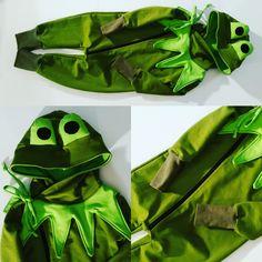 Tilaustyönä toteutettu sammakkopuku.  #lastenvaate #children'sclothing #DIY #sammakko #frog Vegetables, Bags, Fashion, Handbags, Moda, Fashion Styles, Vegetable Recipes, Fashion Illustrations, Bag