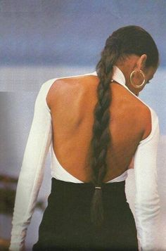 Sade – 30 years ago at Live Aid – outfits Look Fashion, 90s Fashion, Aesthetic Fashion, Sade Adu, Fashion Gone Rouge, Natural Hair Styles, Long Hair Styles, Mode Vintage, Mode Outfits