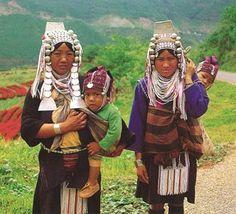 Aruban Breastfeeding Mamas: Baby wearing around the world