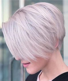 Classic ideas of pixie haircuts for short hair women to create in If you have naturally fine hair then pixie cuts are really best choice for you. Here you may find the most beautiful styles of short blonde pixie haircuts and hairstyles to try in Pixie Hairstyles, Bob Hairstyles For Fine Hair, Short Pixie Haircuts, Short Hair Cuts, Pixie Cuts, Hipster Hairstyles, Chic Hairstyles, Hairstyles 2018, Bob Haircuts