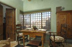 Casa Bella envelops you in Santa Fe Style, with a modern (deluxe) twist.