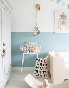 Kijkje in de peuterkamer (missjettle) Blue kids room halfpainted walls abc bag tellkiddo gym hooks dutch interior peuterkamer kids room styling Baby Boy Nursery Room Ideas, Baby Room Decor, Blue Nursery Ideas, Half Painted Walls, Kids Room Paint, Play Room Kids, Playroom Paint, Kids Den, Child Room