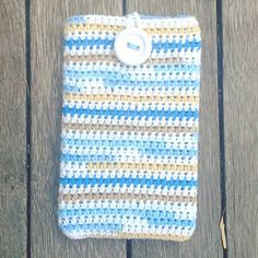 Crochet Phone Pouch Ravelry: Easy Tablet Cover pattern by Buttonnose Crochet - Crochet Bear, Diy Crochet, Simple Crochet, Beginner Crochet, Crochet Things, Crochet Crafts, Diy Crafts, Crochet Tablet Cover, Crochet Mobile